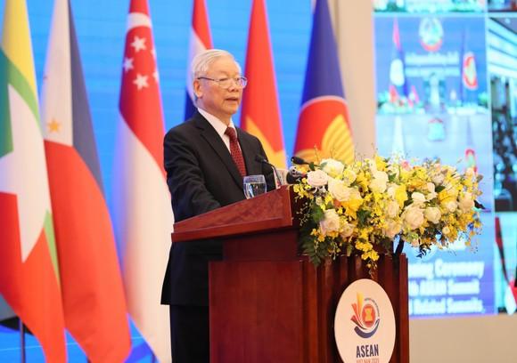 Khai mạc trọng thể Hội nghị Cấp cao ASEAN lần thứ 37 và các hội nghị cấp cao liên quan ảnh 2