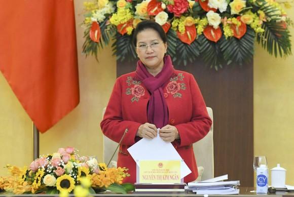Chủ tịch Quốc hội Nguyễn Thị Kim Ngân chủ trì phiên họp thứ hai của Hội đồng Bầu cử quốc gia ảnh 1