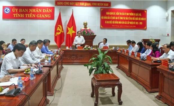 Chủ tịch Quốc hội Vương Đình Huệ kiểm tra công tác chuẩn bị bầu cử tại Quảng Ninh   ảnh 1