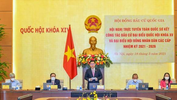 Chủ tịch Quốc hội Vương Đình Huệ, Chủ tịch Hội đồng Bầu cử quốc gia phát biểu tại hội nghị ngày 18-5. Ảnh: VIẾT CHUNG
