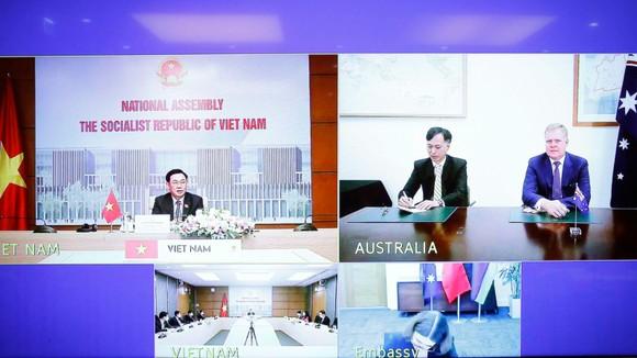 Chủ tịch Quốc hội Vương Đình Huệ hội đàm với Chủ tịch Hạ viện Australia   ảnh 1