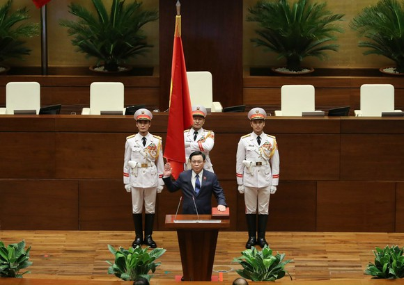 Chủ tịch Quốc hội khóa XV Vương Đình Huệ tuyên thệ nhậm chức ảnh 1