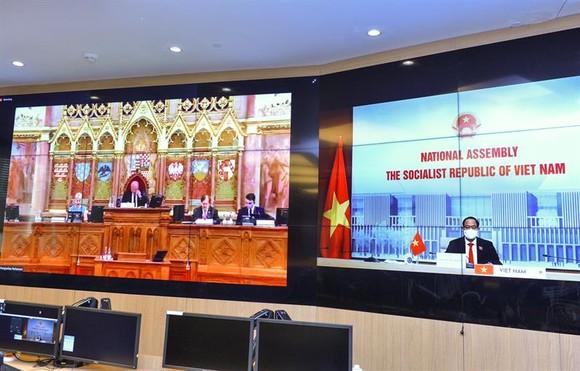 Diễn đàn An ninh - Tình báo Nghị viện lần thứ 18 bàn về rủi ro tiền số và mục đích sử dụng kép của trí tuệ nhân tạo ảnh 1