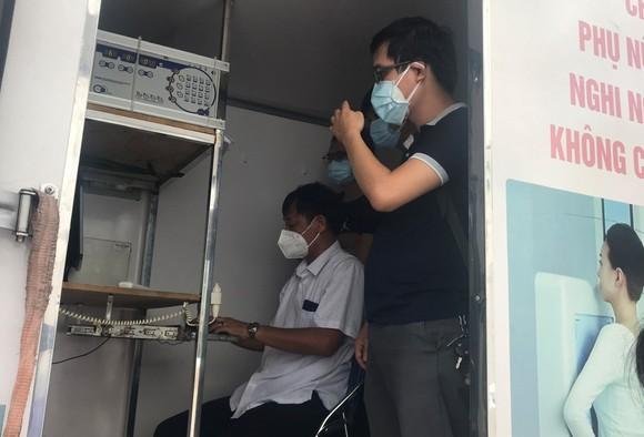 Máy chụp X Quang di động phân loại người mắc Covid-19 ảnh 1