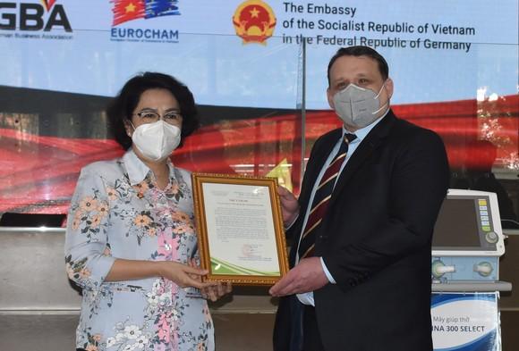 TPHCM tiếp nhận trang thiết bị y tế trị giá 350.000 USD   ảnh 2