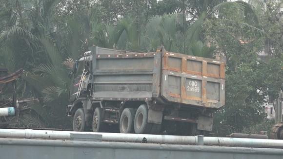 Cận cảnh trục vớt  chiếc xe ben gây ra vụ sập cầu Long Kiển ảnh 1