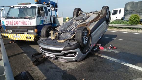 Tai nạn giữa xe ô tô và xe khách trên cao tốc, nhiều người thoát chết ảnh 7