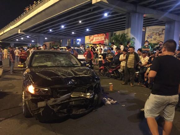 Nữ tài xế ô tô có biểu hiện say xỉn tông hàng loạt xe, một người chết ảnh 10