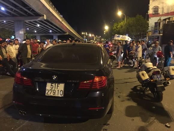 Nữ tài xế ô tô có biểu hiện say xỉn tông hàng loạt xe, một người chết ảnh 16