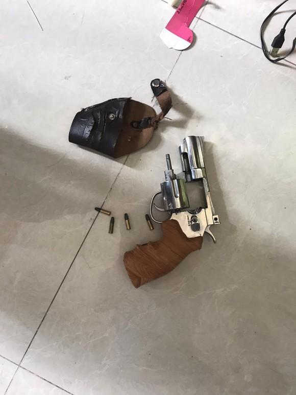 Băng nhóm chuyên cho vay nặng lãi thủ súng đạn, ma túy ảnh 4