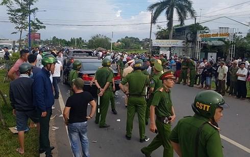 Bắt 1 đối tượng trong nhóm giang hồ chặn vây xe công an ở tỉnh Đồng Nai ảnh 1