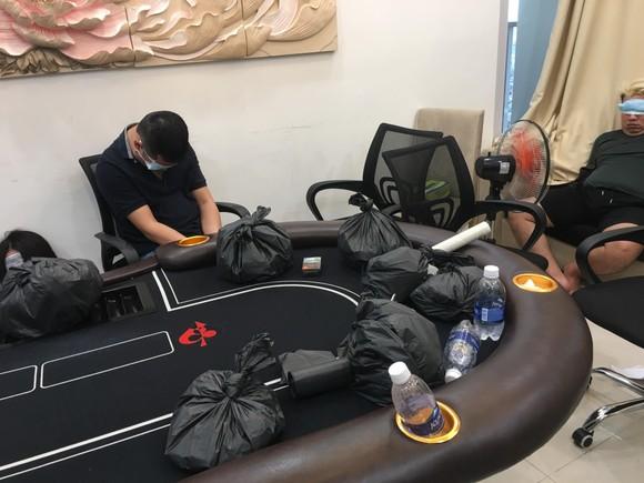 Triệt phá sòng bạc Poker ở toà nhà The Prince Residence ảnh 2