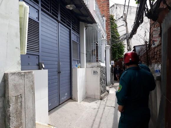 Vụ nữ sinh bị sát hại tại phòng trọ: Phát hiện thi thể nghi can ở kênh Nhiêu Lộc - Thị Nghè ảnh 2