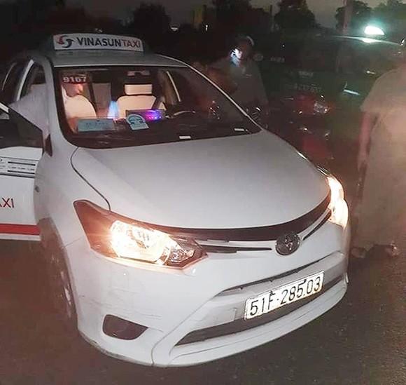 Truy bắt đối tượng dùng hung khí cứa cổ tài xế taxi để cướp ảnh 1