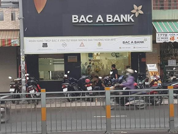 Khởi tố, bắt tạm giam thanh niên dùng súng cướp ngân hàng Bắc Á  ảnh 1
