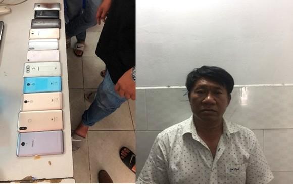 Khởi tố, bắt tạm giam 2 đối tượng trong băng nhóm dàn cảnh móc túi hành khách đi xe buýt ảnh 3