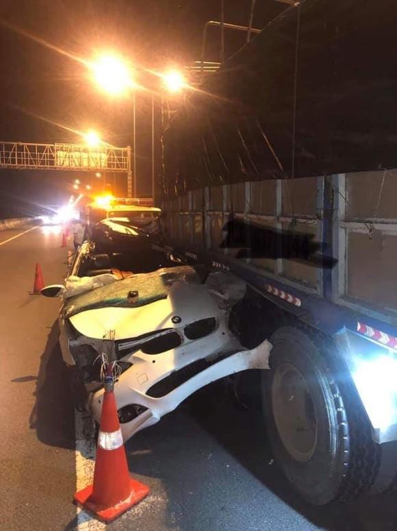 Tài xế ô tô tử vong sau va chạm với xe tải trên cao tốc TPHCM - Long Thành - Dầu Giây ảnh 1