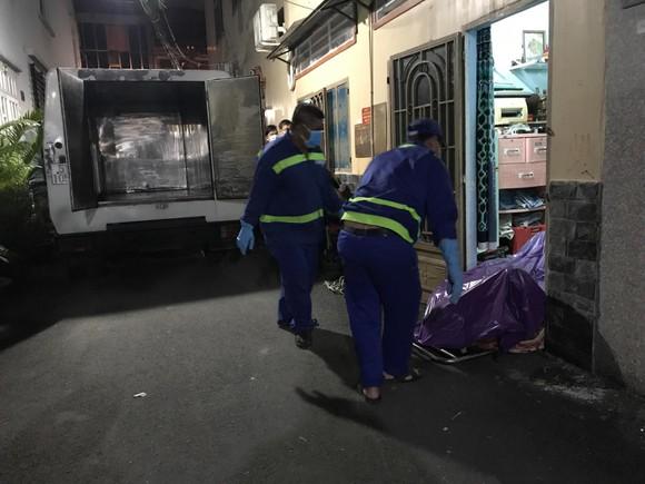 Người đàn ông tử vong trong phòng trọ cửa khoá kín mở điện ở quận Gò Vấp ảnh 2