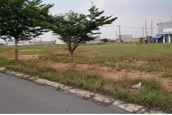 UBND quận Bình Tân khuyến cáo người dân cảnh giác với những lời rao bán đất nền, nhà ở giá rẻ trên địa bàn.