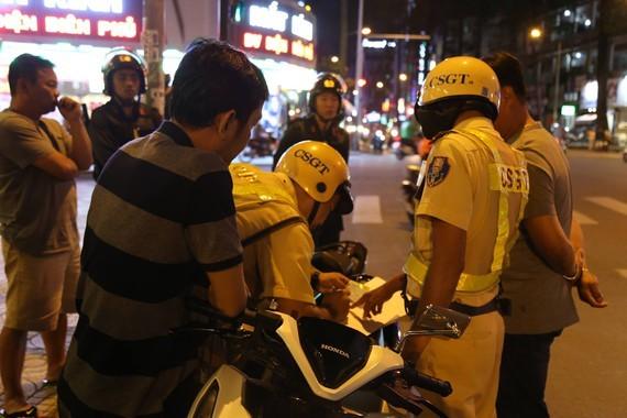 Trong 10 tháng, Tổ công tác 363 trấn áp nhiều loại tội phạm trên đường phố, nơi công cộng ở TPHCM ảnh 4