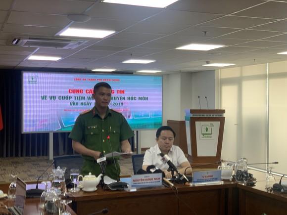 Khởi tố các đối tượng dùng súng cướp tiệm vàng ở huyện Hóc Môn ảnh 7