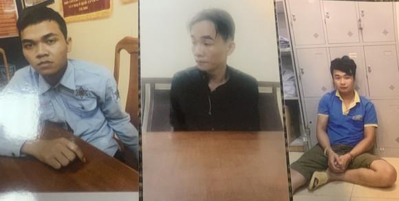 Khởi tố các đối tượng dùng súng cướp tiệm vàng ở huyện Hóc Môn ảnh 1
