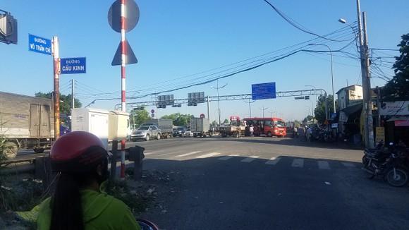 Va chạm giữa xe khách và xe tải, 5 người nhập viện  ảnh 3