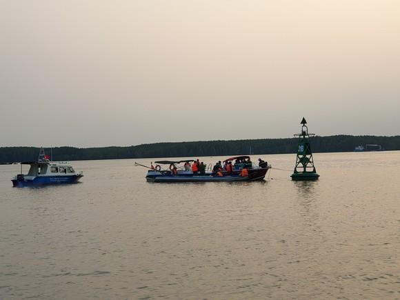 Tìm thấy thêm 1 thi thể thợ lặn mất tích khi trục vớt tàu chìm trên sông Lòng Tàu ảnh 1