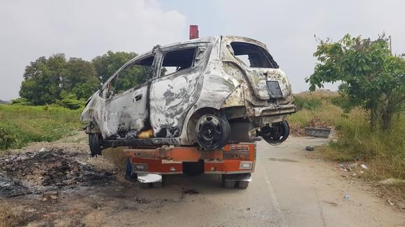 Đã bắt giữ nghi can người Hàn Quốc giết người, cướp tài sản đốt xe phi tang ở TPHCM ảnh 2