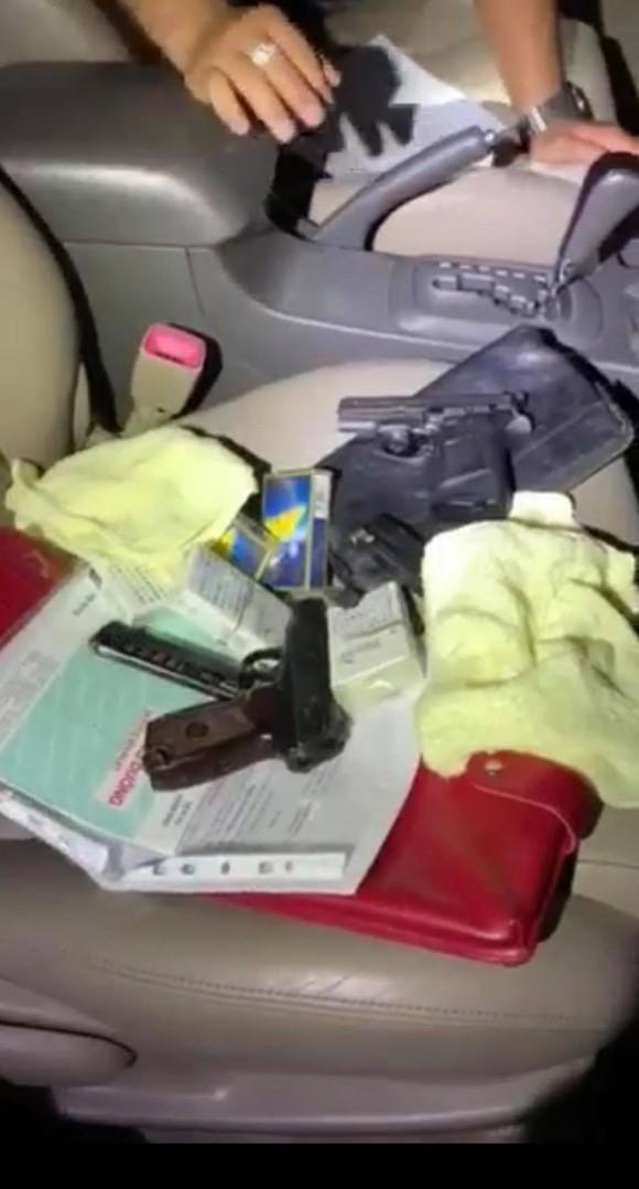 Triệt phá sòng bạc ở quận Bình Thạnh thu giữ 2 khẩu súng và nhiều tang vật ảnh 2