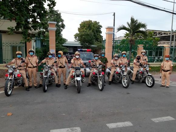 CSGT TPHCM ra quân tuần tra kiểm soát phương tiện vào sáng ngày 15-5