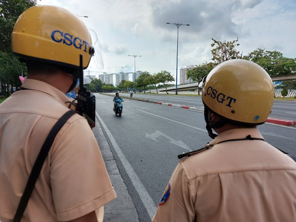 Tổng kiểm soát phương tiện làm kéo giảm tai nạn giao thông tại TPHCM ảnh 3
