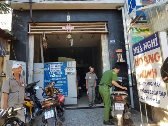 Đột kích khách sạn, quán karaoke ở quận Bình Tân, phát hiện nhiều 'dân chơi' dương tính chất ma túy ảnh 2