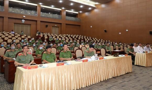 Thăng hàm Thiếu tướng cho Phó giám đốc Công an TPHCM Cao Đăng Hưng ảnh 1