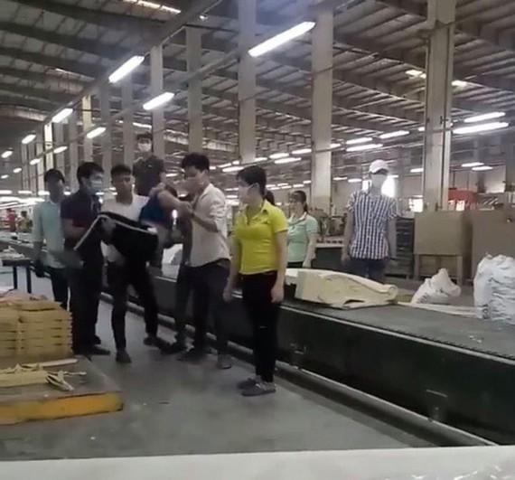 Hé lộ nguyên nhân vụ nam công nhân đánh nữ đồng nghiệp ngất xỉu ở Đồng Nai ảnh 1