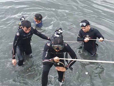 Tìm thấy thi thể người đàn ông nhảy cầu Nguyễn Văn Cừ ảnh 2