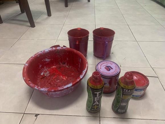 Khởi tố bắt giam với nhóm chuyên tạt sơn để đòi nợ ảnh 5