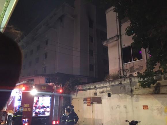 Điều tra vụ cháy tại khách sạn dành cho người cách ly phòng ngừa dịch Covid-19 ở quận Tân Bình ảnh 2
