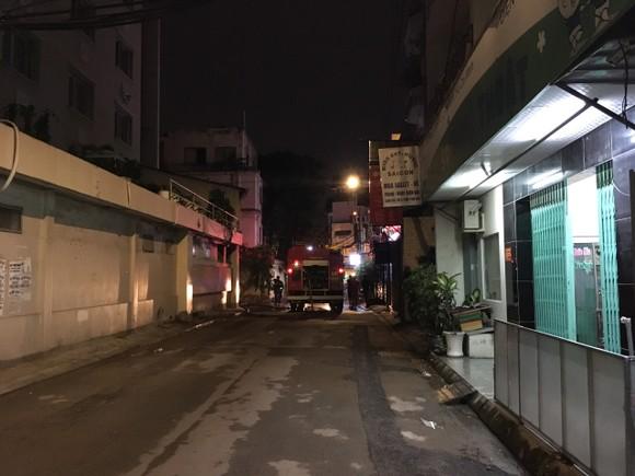 Điều tra vụ cháy tại khách sạn dành cho người cách ly phòng ngừa dịch Covid-19 ở quận Tân Bình ảnh 1