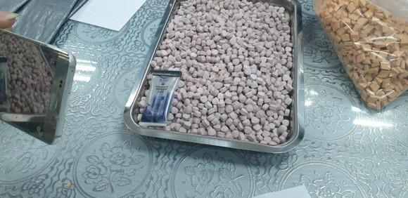 Thu giữ hơn 20,5 kg ma túy trong các lô hàng quà biếu ảnh 4