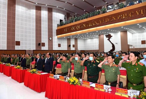 Thủ tướng Nguyễn Xuân Phúc dự khai mạc Hội nghị Công an toàn quốc lần thứ 76 ảnh 4