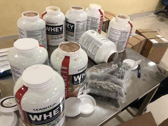 Phát hiện gần 5 kg ma túy từ Canada về Việt Nam qua cửa khẩu Tân Sơn Nhất ảnh 2