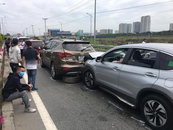 Tai nạn liên hoàn trên cao tốc TPHCM - Long Thành - Dầu Giây  ảnh 3