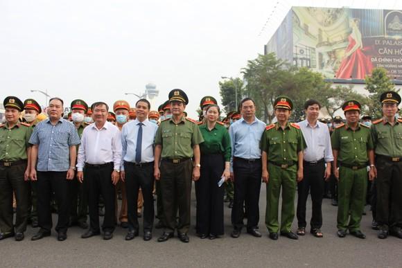 Đảm bảo tuyệt đối an ninh, trật tự tại Cảng hàng không quốc tế Tân Sơn Nhất ảnh 7