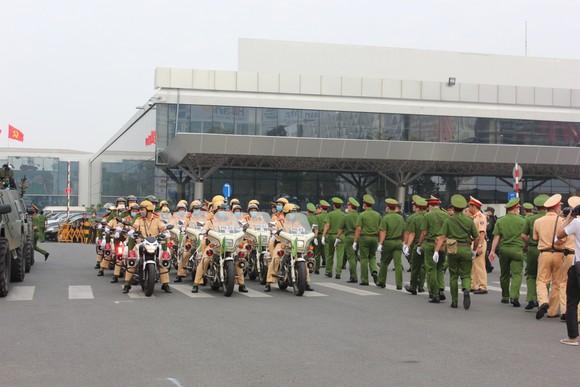 Đảm bảo tuyệt đối an ninh, trật tự tại Cảng hàng không quốc tế Tân Sơn Nhất ảnh 4