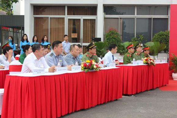 Đảm bảo tuyệt đối an ninh, trật tự tại Cảng hàng không quốc tế Tân Sơn Nhất ảnh 2