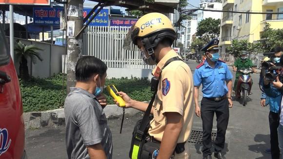Tăng cường kiểm tra, xử lý vi phạm trật tự an toàn giao thông ở TPHCM. Ảnh: CHÍ THẠCH