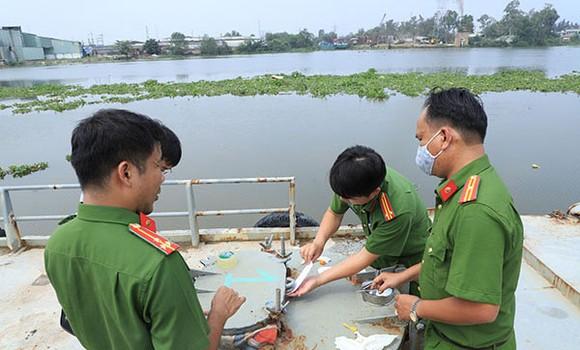 Bắt thêm nhiều đối tượng trong đường dây làm xăng dầu giả ở tỉnh Đồng Nai ảnh 3