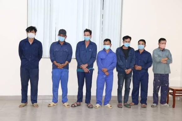 Bắt 'ông trùm' chuyên mua bán hoá đơn giả trong đường dây làm xăng giả ở tỉnh Đồng Nai ảnh 7