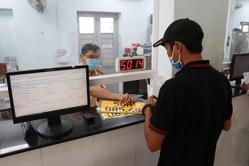 CSGT TPHCM đã cấp đổi biển số nền màu vàng cho hơn 31.000 phương tiện ảnh 1